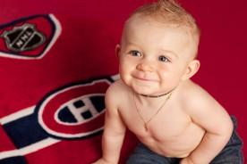 bébé avec chandail des canadiens de Montréal